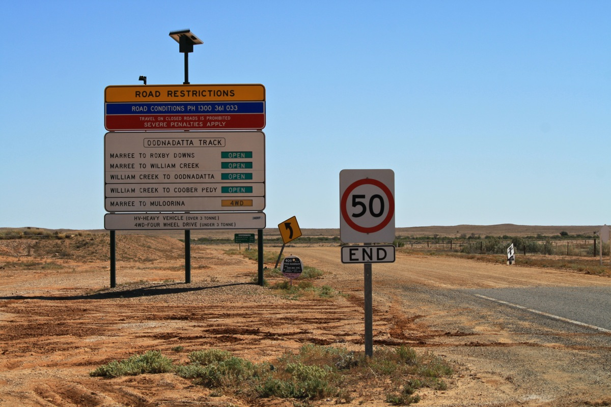 Track conditions along the Oodnadatta Track