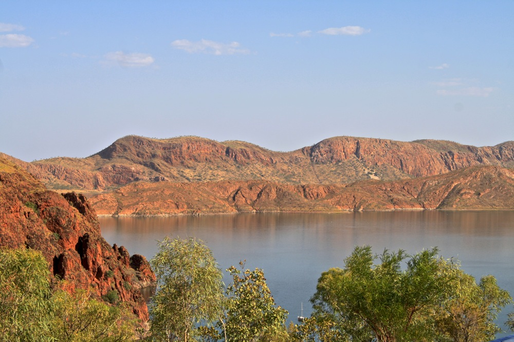 Spectacular cliffs at Lake Argyle