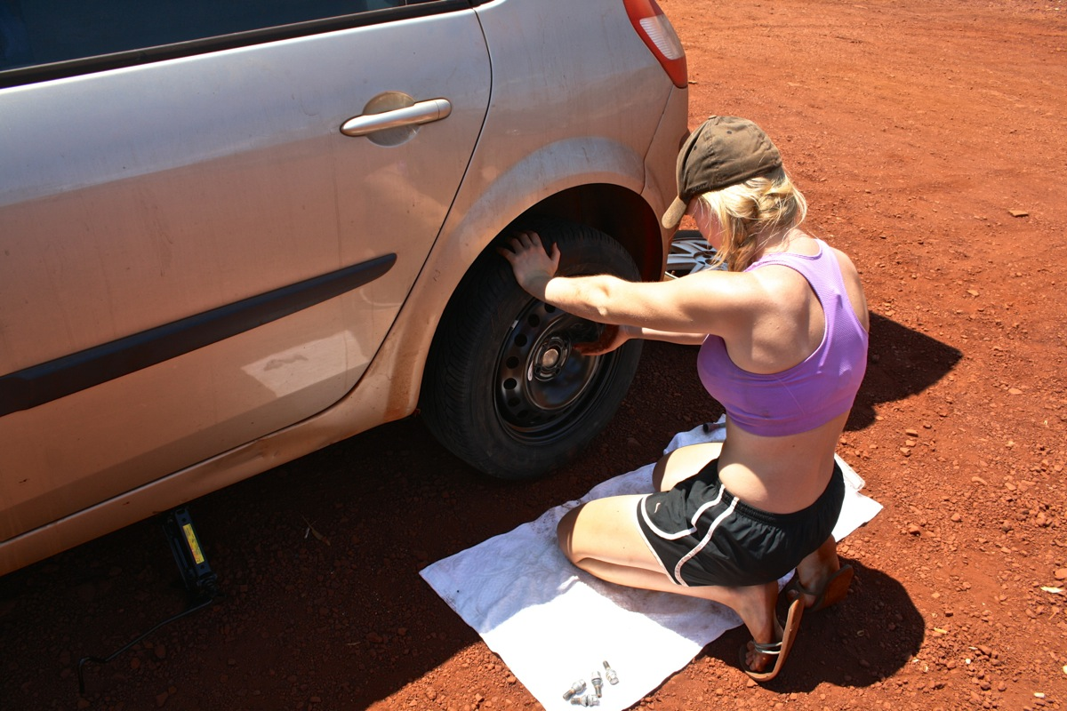 Trunds fitting the spare